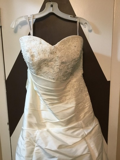 Moonlight Bridal Ivory Taffeta Collection Strapless Never Altered Zip Up Back with Throughout A Traditional Wedding Dress Size 16 (XL, Plus 0x) Image 9