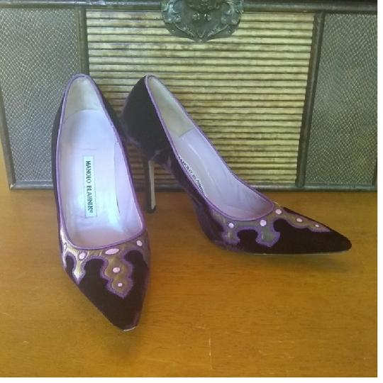 Manolo Blahnik Purple Pumps Image 10
