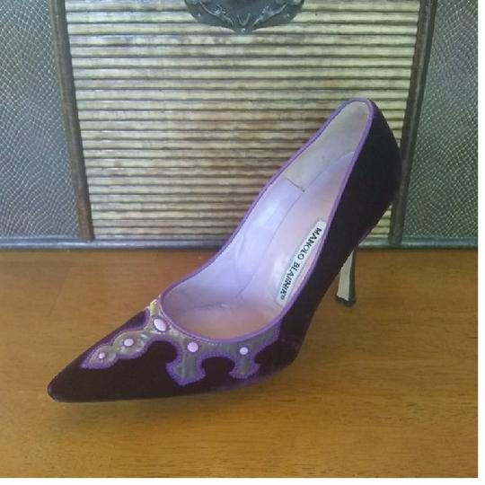 Manolo Blahnik Purple Pumps Image 4