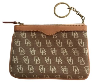 c0572687ebfc Dooney & Bourke Wallets - Up to 70% off at Tradesy