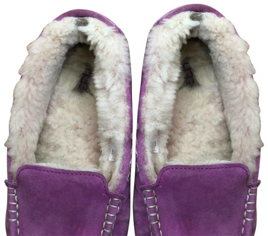 Preload https://img-static.tradesy.com/item/25367951/ugg-australia-pink-slippers-sneakers-size-us-7-regular-m-b-0-1-540-540.jpg