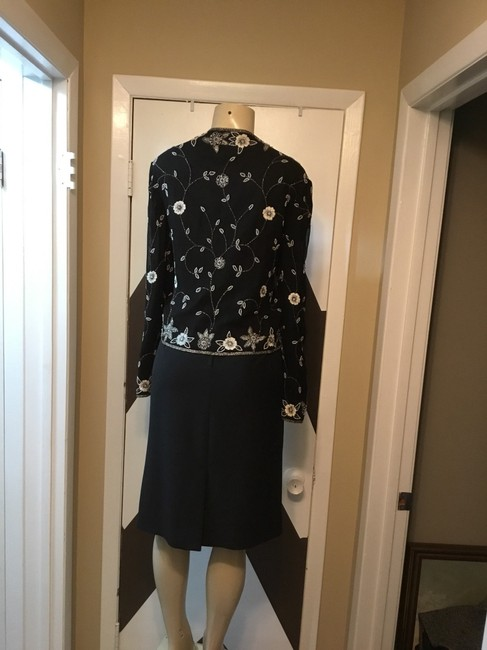 Adrianna Papell NWOT ADRIANNA PAPELL BOUTIQUE evening set. Mother of the bride, church, evening occasions, wedding? You can go wrong with this amazing 100% silk ornate top and gorgeous skirt ensemble. Please be advise that the top is large and the text is 18. Image 10