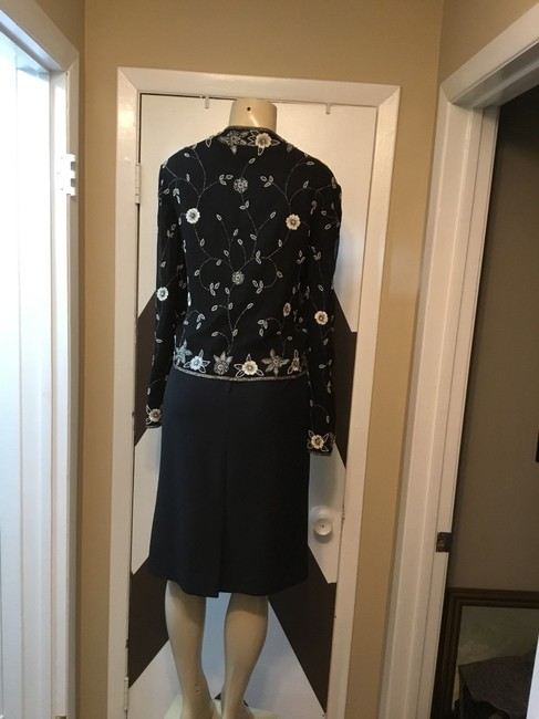 Adrianna Papell NWOT ADRIANNA PAPELL BOUTIQUE evening set. Mother of the bride, church, evening occasions, wedding? You can go wrong with this amazing 100% silk ornate top and gorgeous skirt ensemble. Please be advise that the top is large and the text is 18. Image 6
