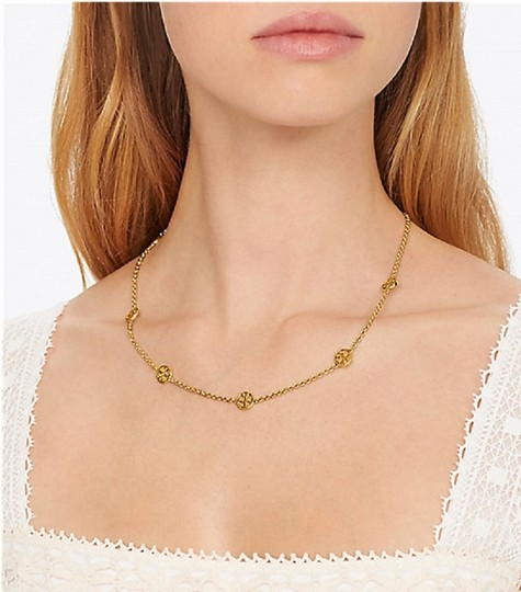 Tory Burch Tory Burch Gold Delicate Logo Necklace Image 4