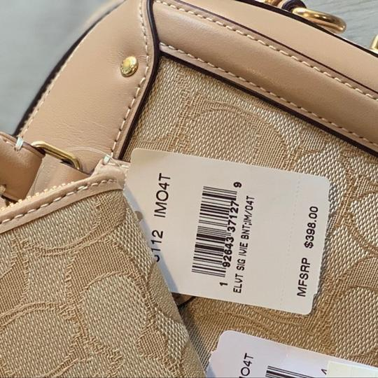 Coach Satchel in Light Khaki / Beechwood Image 7