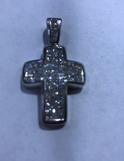 18KT White Gold Invisible Set Princess Cut Diamond Cross 18KT white gold invisible set princess cut diamond cut 6.00cts. Image 1