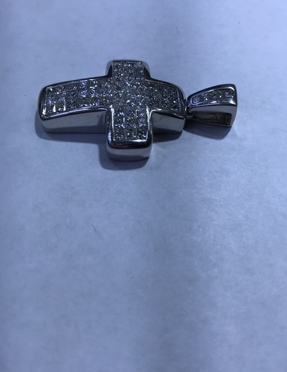18KT White Gold Invisible Set Princess Cut Diamond Cross 18KT white gold invisible set princess cut diamond cut 6.00cts. Image 2