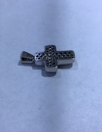 18KT White Gold Invisible Set Princess Cut Diamond Cross 18KT white gold invisible set princess cut diamond cut 6.00cts. Image 6