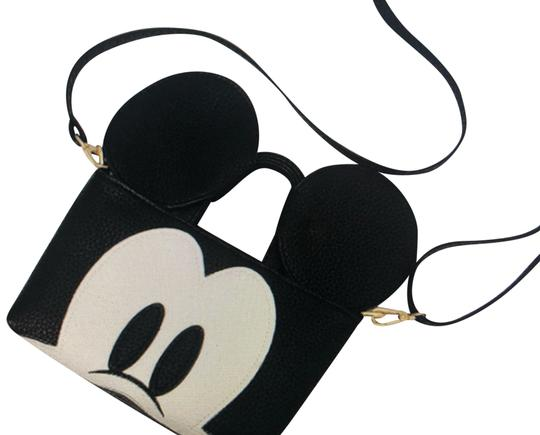Preload https://img-static.tradesy.com/item/25368400/mickey-mouse-cartoon-vintage-messenger-wallet-clutch-ears-handbag-purse-tote-black-white-cross-body-0-1-540-540.jpg
