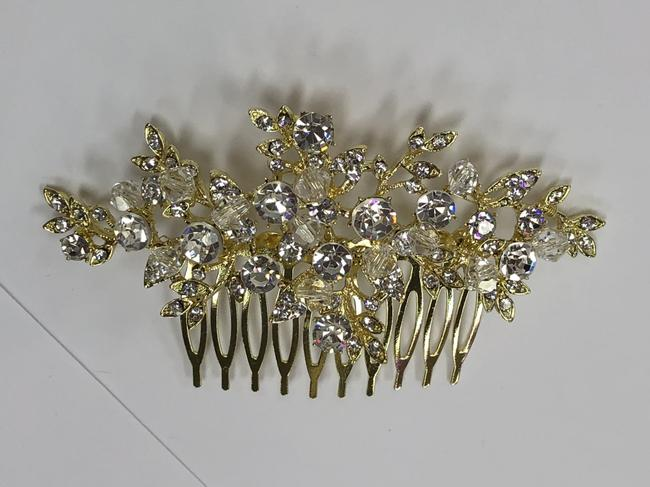 Item - Gold and Rhinestone and Clear Bead Comb Hair Accessory