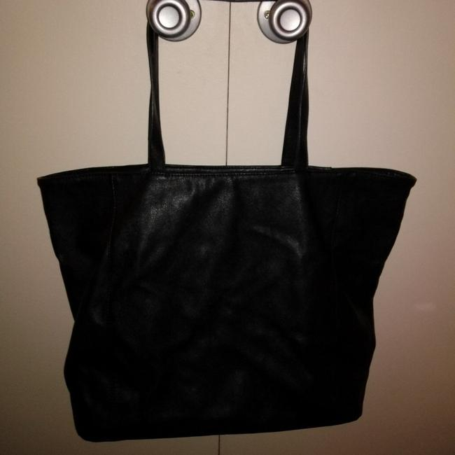 Item - Large Faux Leather Black Tote