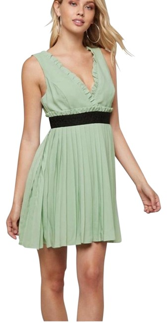Item - Green Pleated-mini-dress Mid-length Short Casual Dress Size 18 (XL, Plus 0x)