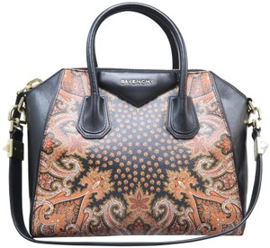 6b049c8189 Givenchy Antigona Calfskin Small Satchel in Black