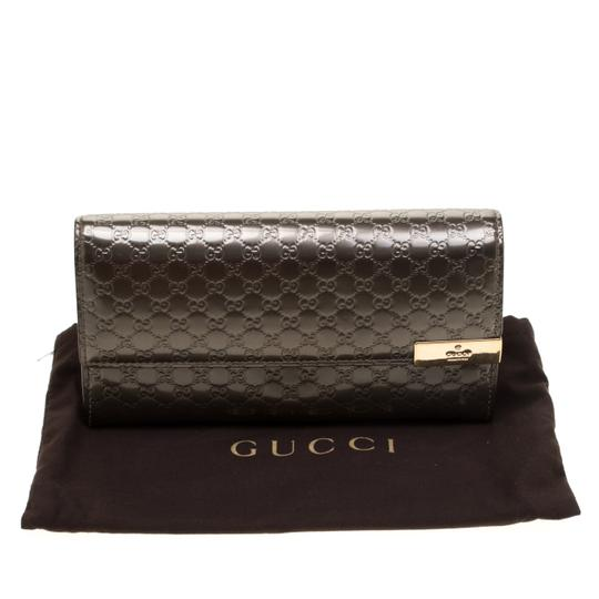 Gucci Metallic Grey Microguccissima Patent Leather Continental Wallet Image 10