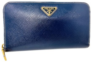 08881ac8d5444a Prada Wallets on Sale - Up to 70% off at Tradesy