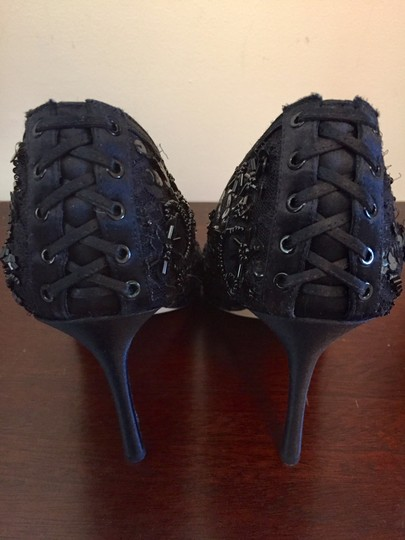 Badgley Mischka Beaded Lace Formal Evening Black Pumps Image 7