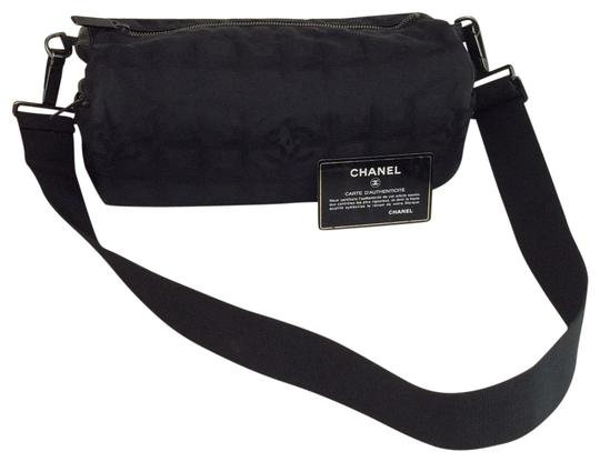 Preload https://img-static.tradesy.com/item/25374441/chanel-boston-jacquard-black-canvas-baguette-0-1-540-540.jpg