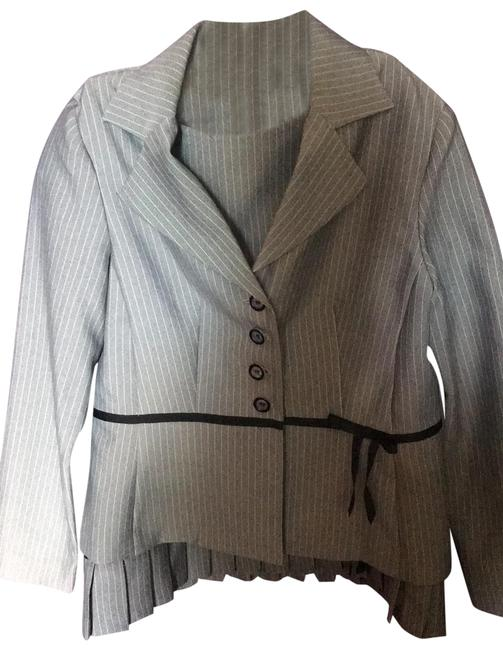 Preload https://img-static.tradesy.com/item/25374531/sweet-suit-gray-and-white-pin-stripe-61648-skirt-suit-size-petite-6-s-0-1-650-650.jpg