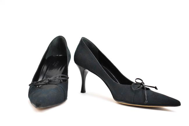 "Item - Dark Navy Blue ""Gg"" Logo & ""Bow"" Heels/ Pumps Size EU 37.5 (Approx. US 7.5) Wide (C, D)"