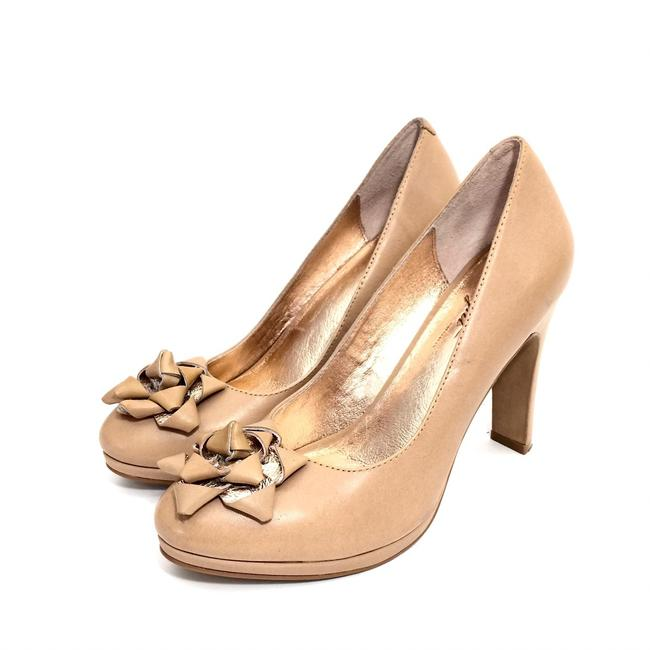 Miss Albright Camel W Leather Round W/ Bows Pumps Size US 8 Regular (M, B) Miss Albright Camel W Leather Round W/ Bows Pumps Size US 8 Regular (M, B) Image 1