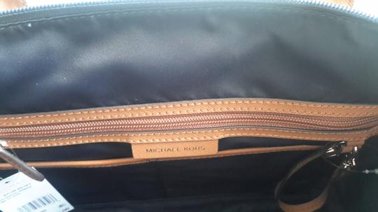 Michael Kors Leather Tote in Navy/Brown Image 2