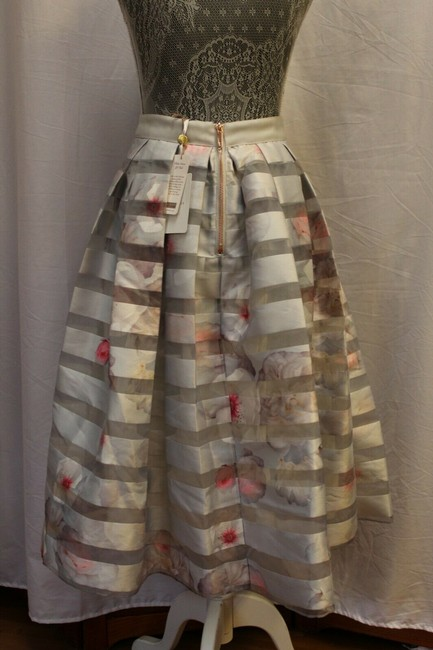 Ted Baker Niica Window Skirt gray silver and Baby Pink Image 2