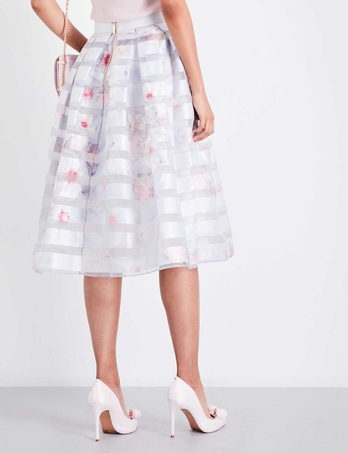 Ted Baker Niica Window Skirt gray silver and Baby Pink Image 4