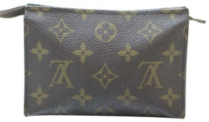 Louis Vuitton Pouch Cosmetic Make Up Flat Brown Clutch