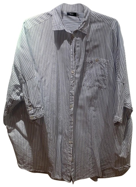 Preload https://img-static.tradesy.com/item/25377965/urban-outfitters-oversized-striped-button-down-top-size-2-xs-0-1-650-650.jpg