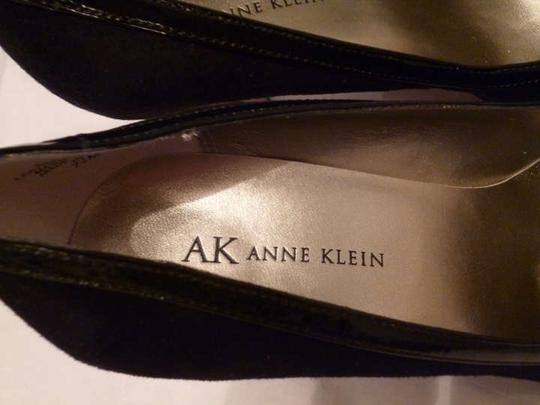 Anne Klein Suede High Heel Platform Black Pumps