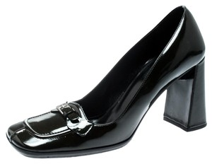 Prada Patent Leather Leather Detail Green Pumps