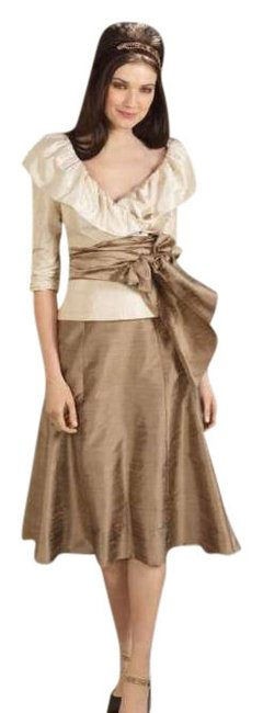 Preload https://img-static.tradesy.com/item/253792/watters-champagne-brown-1495-skirt-suit-size-10-m-0-0-650-650.jpg