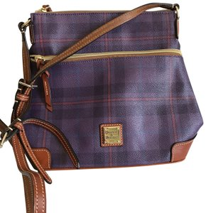 a0396e71cff5 Dooney & Bourke on Sale - Up to 80% off at Tradesy
