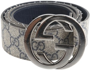 f4b67266fca Gucci Gucci GG Supreme belt with G Buckle