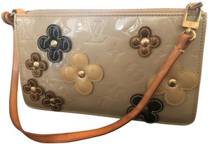 a859392ed Louis Vuitton Baguettes - Up to 70% off at Tradesy