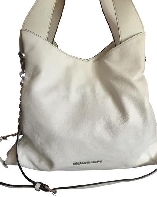 Item - Hobo White Leather Shoulder Bag