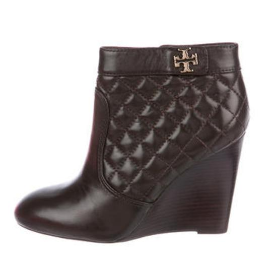 Preload https://item3.tradesy.com/images/tory-burch-brown-leila-wedge-bootsbooties-size-us-85-regular-m-b-25384347-0-2.jpg?width=440&height=440