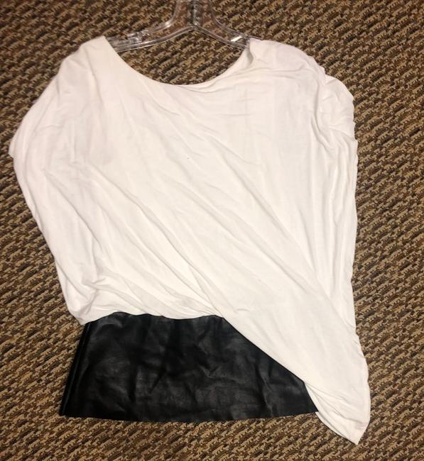 Bailey 44 Top white with black leather Image 1