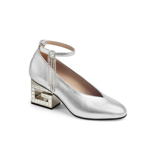 Preload https://img-static.tradesy.com/item/25385116/gucci-silver-with-crystal-strap-95-pumps-size-eu-395-approx-us-95-regular-m-b-0-0-540-540.jpg