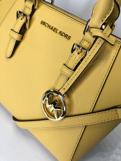 Michael Kors Leather Matching Wallet Satchel in Daisy Yellow Image 8