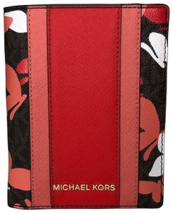 aadeb8b5c48d Michael Kors Michael Kors Jet Set Travel Passport Holder Wallet New