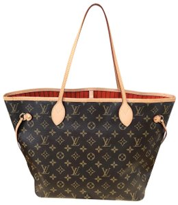 Louis Vuitton Tote in Piment