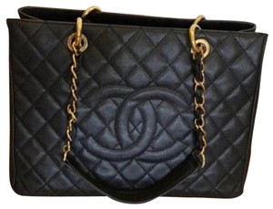 41acf0fa2da527 Chanel Tote Bags on Sale - Up to 70% off at Tradesy