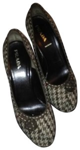 Prada plaid Pumps