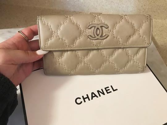 Chanel Long light beige diamond quilted Lambskin Continental CC flap wallet Image 3