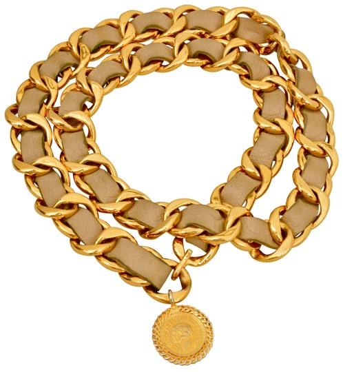 Preload https://img-static.tradesy.com/item/25393177/chanel-beige-gold-plated-chain-cc-pendant-and-leather-one-size-fits-all-belt-0-2-540-540.jpg