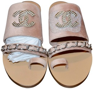 Chanel Classic Chain pink Sandals