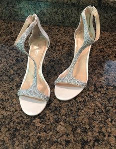 Vince Camuto Ivory Imagine Beaded Heels Formal Size US 7.5 Regular (M, B)
