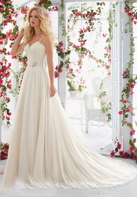 Item - Ivory/Champagne 6818 Casual Wedding Dress Size 12 (L)