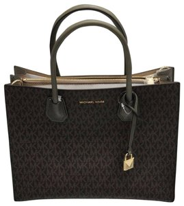 Michael Kors Tote in Brown and Olive